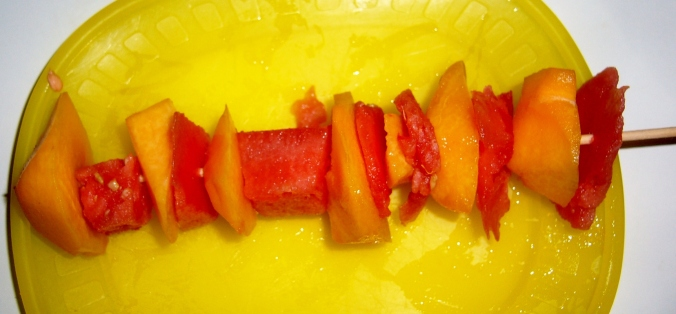 Brocheta de fruta